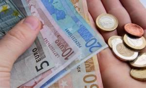 Κοινωνικό Εισόδημα Αλληλεγγύης: Πώς θα πάρετε 200 – 400 ευρώ