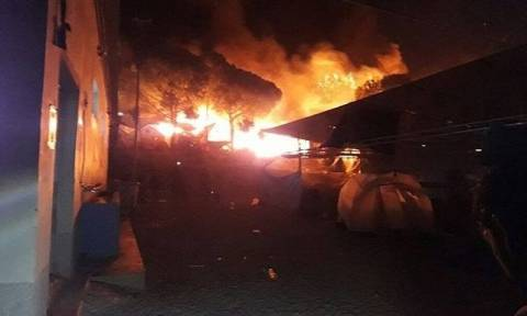 На Лесбосе сгорел центр для беженцев, где проживало 4 тыс человек