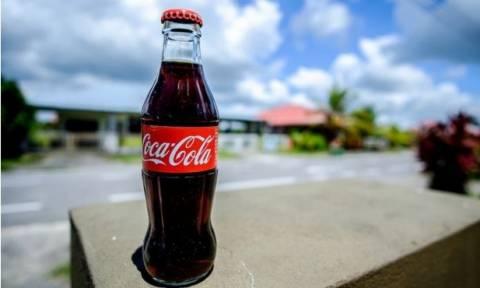 Η απίστευτη χρήση της Coca Cola που δεν ξέρετε και μπορεί να σας σώσει τη ζωή! (video)