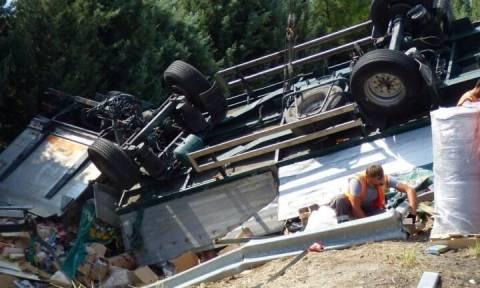 Θανατηφόρο εργατικό ατύχημα στη Λιβαδειά - Καταπλακώθηκε από φορτηγό