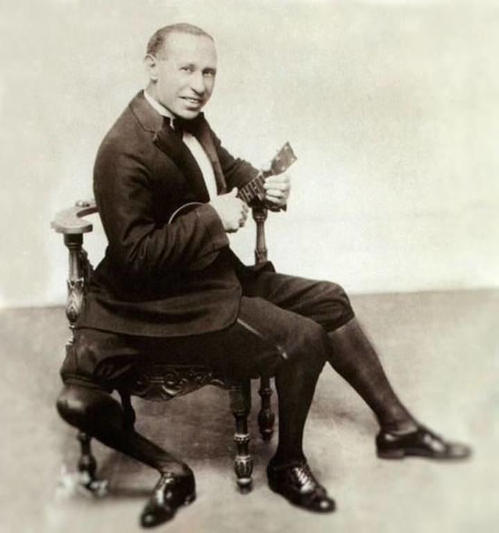 Σαν σήμερα πέθανε ο Φραντζέσκο Λεντίνι, ο άνδρας με τα 3 πόδια και τα 2 γεννητικά όργανα