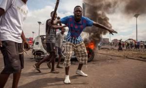 Κονγκό: Πεδίο μάχης η πρωτεύουσα με τουλάχιστον 100 νεκρούς σε δύο ημέρες (videos)