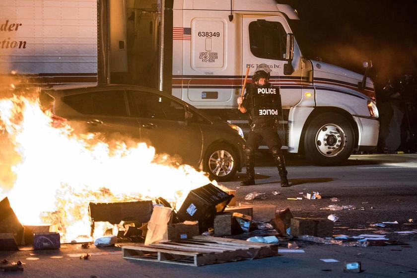 Δεύτερη νύχτα χάους στο Σάρλοτ - Σε κατάσταση έκτακτης ανάγκης η πόλη λόγω των ταραχών (Pics + Vid)