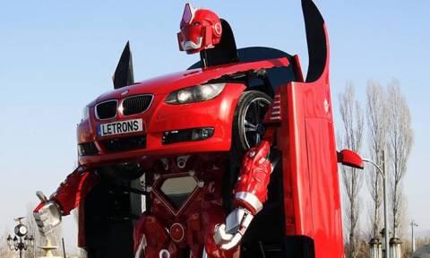 Το όνειρο έγινε πραγματικότητα: Το πρώτο λειτουργικό αυτοκίνητο Transformer είναι γεγονός (Vid)