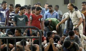 Αίγυπτος: Δεκάδες μετανάστες βρήκαν φριχτό θάνατο κλεισμένοι σε αμπάρι πλοίου που βυθίστηκε