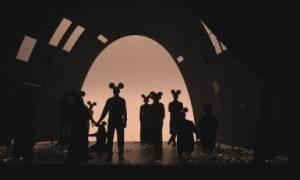 Ο Βυσσινόκηπος, ο Μίκι Μάους και ο Νίκος Καραθάνος στις Νύχτες Πρεμιέρας