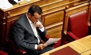 Βουλή: Ο Νίκος Παππάς απαντάει για τηλεοπτικές άδειες και Καλογρίτσα