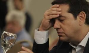 Λιποθύμησε μαθήτρια σε ομιλία του Τσίπρα στην Αστόρια (video)