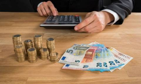 ΟΟΣΑ: Μόνο στην Ελλάδα αυξήθηκαν οι φόροι