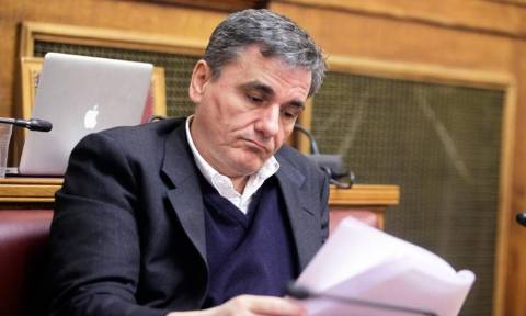 Το ΔΝΤ ζητά μείωση συντάξεων και ο Τσακαλώτος καλωσορίζει τη θέση για το χρέος