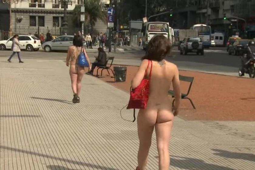 Δεν ξανάγινε: Γυναίκες τα πέταξαν όλα έξω από τη Βουλή! (video+photos)