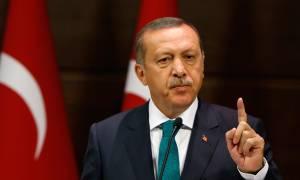 Ο Ερντογάν κατηγορεί ευθέως τις ΗΠΑ ότι ενισχύουν τους Κούρδους με όπλα (video)