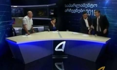 Βουλευτές στη Γεωργία μετέτρεψαν το τηλεοπτικό στούντιο σε... ρινγκ! (vid)
