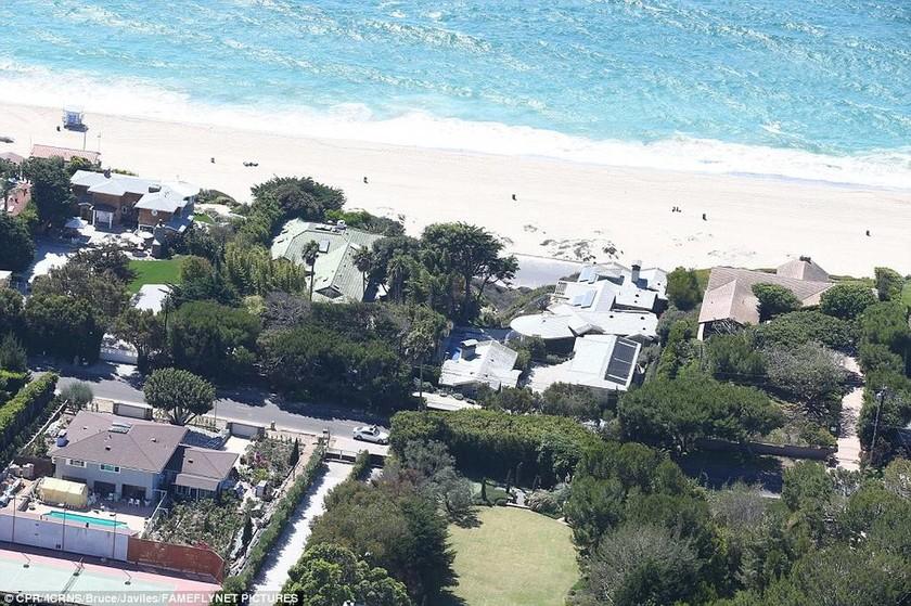 Αυτό είναι το νέο «φρούριο» της Τζολί - Το νοίκιασε εβδομάδες πριν την αίτηση διαζυγίου (pics)