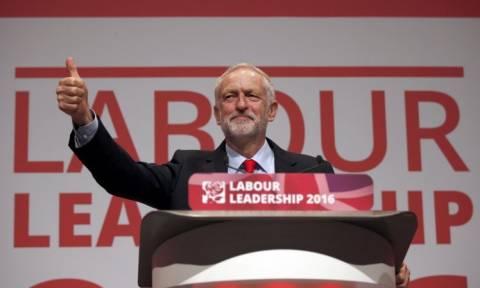 Bρετανία: Επανεξελέγη με άνεση στην ηγεσία των Εργατικών ο Κόρμπιν