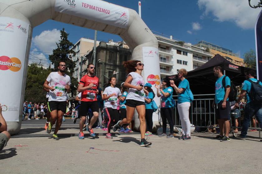 Race for the Cure: Έτραξαν όλοι...για τον καρκίνο του μαστού (pics)