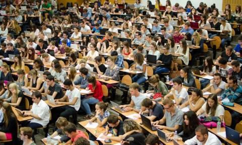 Ιταλός καθηγητής προς φοιτητές: Αντιγράψτε ελεύθερα και εμείς το κάνουμε!