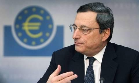 Εξηγήσεις από τον Ντράγκι για τη χαλαρή νομισματική πολιτική της ΕΚΤ περιμένουν στη Γερμανία