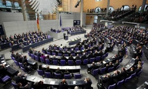 Die Zeit: Η Γερμανία ετοιμάζει σχέδιο διάσωσης της Deutsche Bank