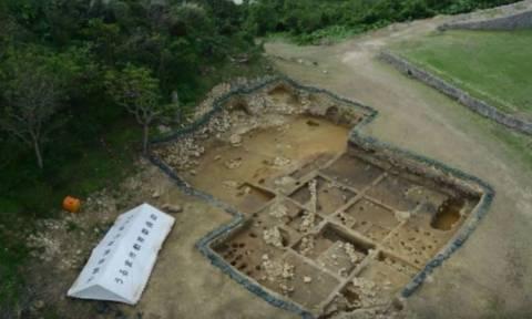 Μυστήριο με νόμισμα που φέρει την κεφαλή του Αγίου Κωνσταντίνου στα ερείπια ιαπωνικού κάστρου (Pics)