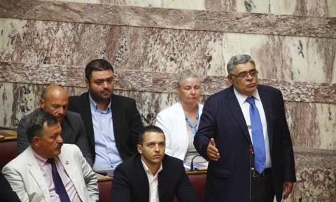 Μιχαλολιάκος: Έγκλημα να διδάσκονται στην ίδια αίθουσα Ελληνόπουλα και προσφυγόπουλα (vid)