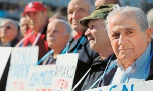 Συντάξεις: Όλες οι περικοπές που θα δουν από σήμερα οι συνταξιούχοι