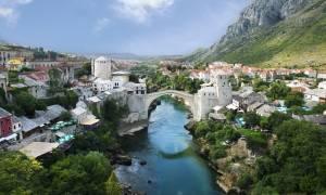 Μυρίζει... μπαρούτι στη Βοσνία – Μιλούν ακόμη και για πόλεμο μεταξύ Βοσνίας και Σερβίας