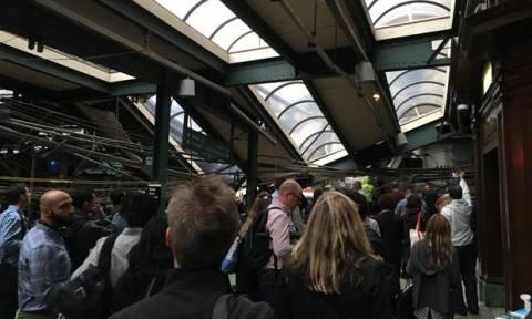 Τραγωδία στο Νιου Τζέρσεϊ: Σφοδρή πρόσκρουση τρένου σε σταθμό - Ένας νεκρός (pics)