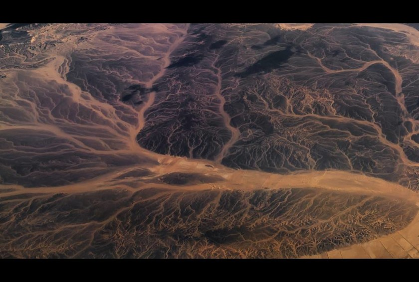 Μέσα από τα μάτια ενός πιλότου: Φωτογραφίες της Γης από ψηλά που «κόβουν την ανάσα»