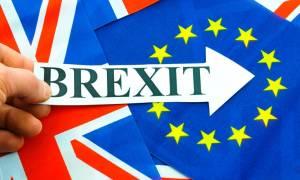 Δημοσκόπηση-Brexit: Oι Βρετανοί δεν έχουν πειστεί ότι η κυβέρνηση ακολουθεί τη σωστή στρατηγική