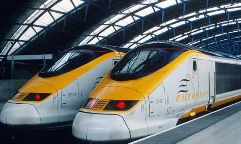 Γαλλία: Ένοπλα στελέχη των υπηρεσιών ασφαλείας με πολιτικά «ξεχύνονται» σε τρένα και μετρό