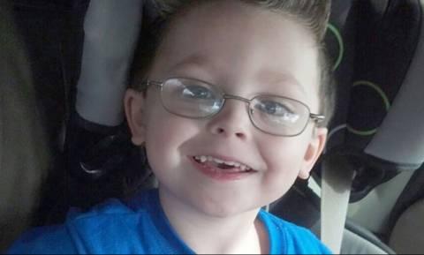 Θρήνος στις ΗΠΑ: Ξεψύχησε το εξαχρονο αγόρι που είχε δεχθεί πυρά στην αυλή του σχολείου του (Pics)