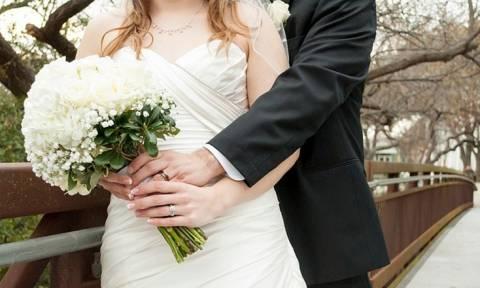 ΣΟΚ: 24χρονη ανακάλυψε τρεις μήνες μετά το γάμο ότι είχε παντρευτεί τον...