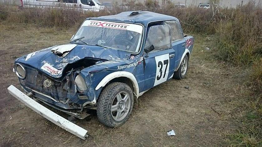 Τρομακτικό δυστύχημα  –  Αγωνιστικό αυτοκίνητο «θερίζει» θεατές (pics + vid)