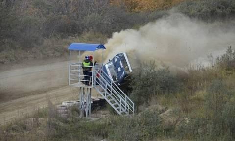 Τρομακτικό δυστύχημα: Αγωνιστικό αυτοκίνητο «θερίζει» θεατές (pics + vid)