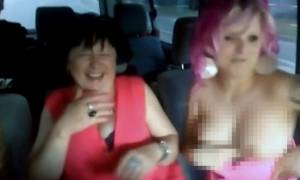 Χαμός στο «Κάτι Ψήνεται»: Τυφλή παίκτρια έβγαλε το στήθος της στον αέρα! (video)