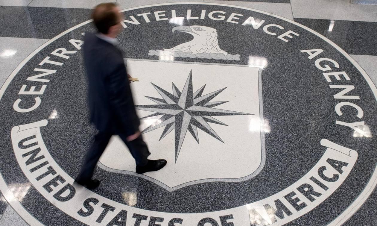 «Με απήγαγε η CIA»: Απίστευτη καταγγελία από τον γιο του Νίκου Βούτση