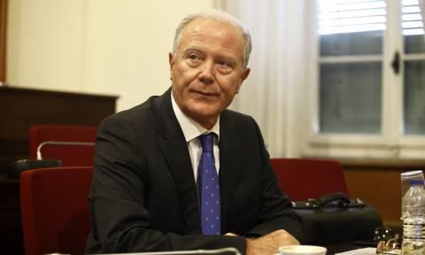 Γελάει το… Σύμπαν: Ο Προβόπουλος δεν ξέρει τίποτα για τα δάνεια σε ΜΜΕ και κόμματα!