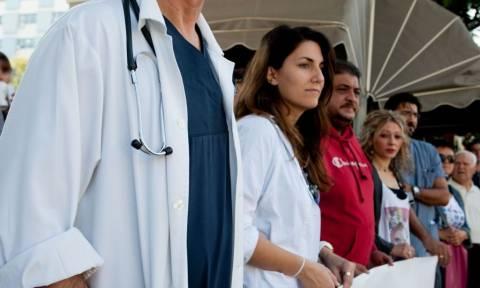 Ειδικό ιατρικό μισθολόγιο: Αυξήσεις σε δόσεις και σε βάθος διετίας υπόσχεται η κυβέρνηση