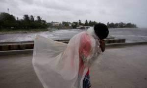 Ο τυφώνας Μάθιου σαρώνει την Αϊτή (pics+video)