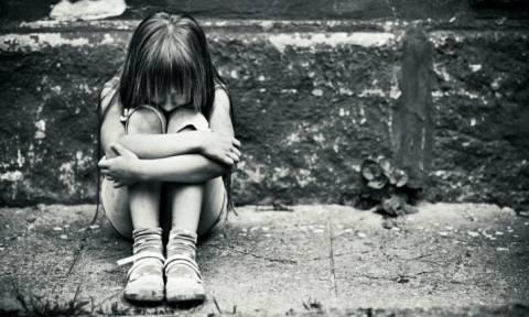 Φρίκη! Πα-τέρας ασελγούσε στην 11χρονη κόρη του τάζοντάς της κινητό!