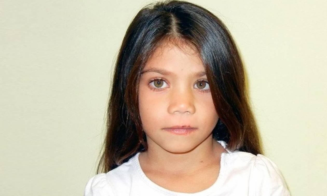 Αυτό είναι το κοριτσάκι που ζούσε με τσιγγάνους στον Τύρναβο (photos) 6b6db384ece