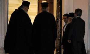 Στο Μαξίμου ο Αρχιεπίσκοπος Ιερώνυμος: Σε εξέλιξη η συνάντηση με τον Τσίπρα (photo)