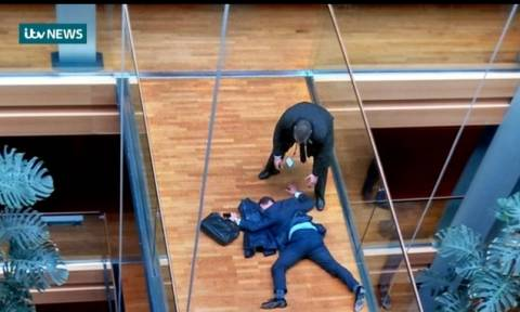 Ξύλο στο Ευρωκοινοβούλιο – Σε κρίσιμη κατάσταση ευρωβουλευτής (Vids)