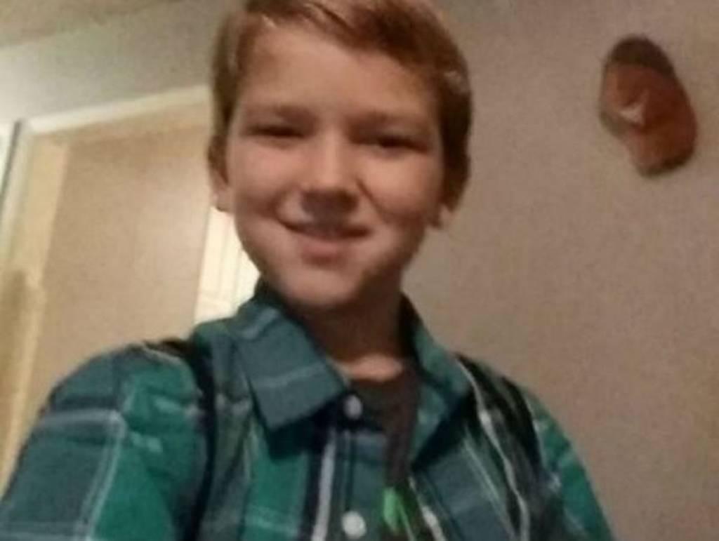 Φρίκη: Περιέλουσαν 10χρονο με βενζίνη και του έβαλαν φωτιά