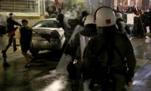 Πεδίο μάχης το Ωραιόκαστρο: Συγκρούσεις αντιεξουσιαστών με ακροδεξιούς (photos)