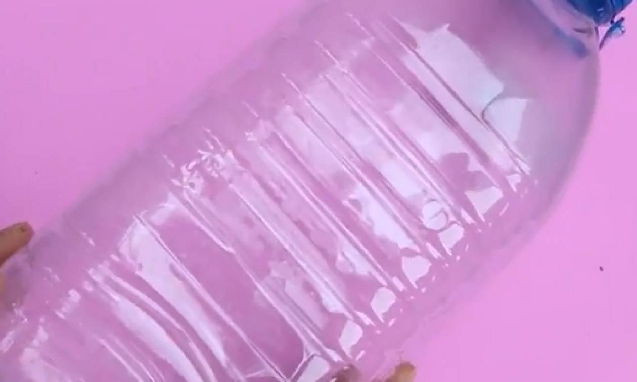 Εσείς ακόμα πετάτε τα πλαστικά μπουκάλια; Δείτε πριν αυτό το βίντεο...
