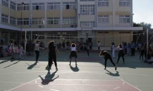 Απολυτήριο γυμνασίου με βαθμό 5, 6 και 7 προωθεί το υπουργείο Παιδείας