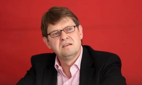 SPD: Γκάμπριελ και ο Σουλτς μπορούν να νικήσουν την Μέρκελ