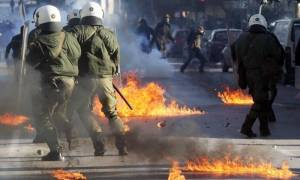 Θεσσαλονίκη: «Βροχή» από μολότοφ σε αστυνομικές δυνάμεις